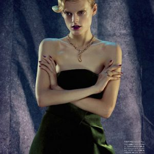 VOGUE Japon. Photo: Hanne Gaby Odièle - Makeup: Houda Remita