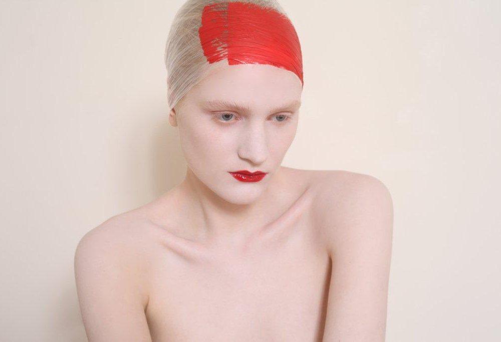 Portfolio D-mai. Photo : Christophe Donna - Makeup Ophélie Crommar.