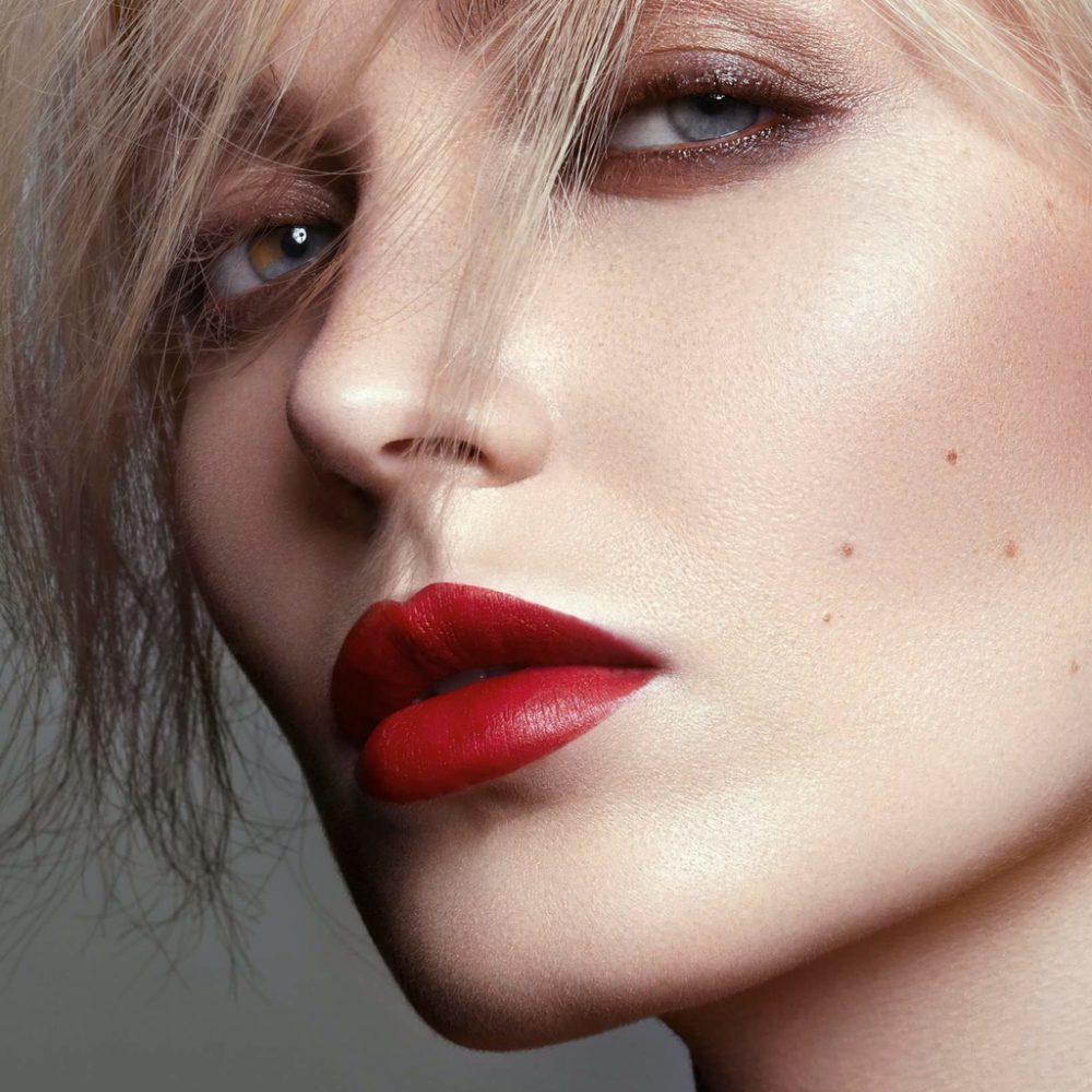 Portfolio D-mai. Photo : Christophe Donna - Makeup Ophélie Heurtault.