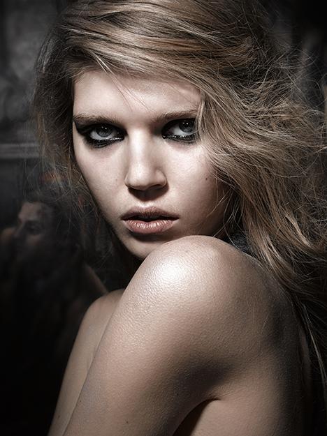Portfolio D-mai. Photo : Rod Spicer - Makeup Anne Amerighi.