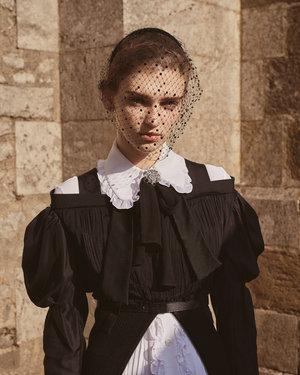 ELLE. Photo : Tobias Lundkvist - Maquillage : Kathy Le Sant.